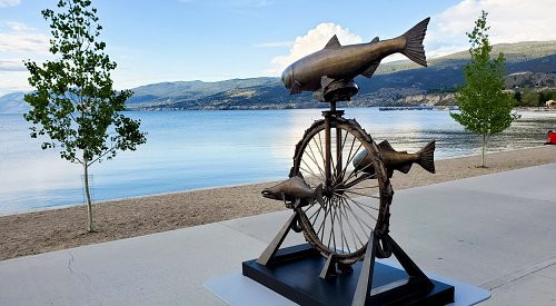 Penticton waterfront sculpture gets its stolen salmon back