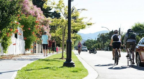 City of Kelowna reminds residents to share pathways respectfully during COVID-19